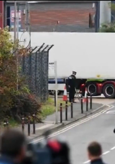 Vụ 39 thi thể trong xe container tại Anh: Băng đảng buôn người Ireland đang bị tập trung điều tra