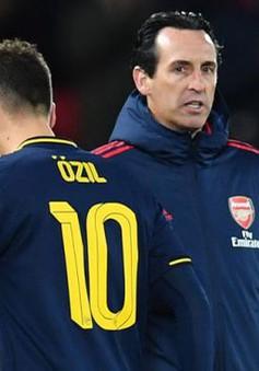 """Huyền thoại khuyên Arsenal nên """"cắt viện trợ"""" của Unai Emery"""
