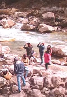 4 người Ấn Độ thiệt mạng vì chụp selfie dưới lòng sông
