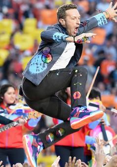 Chuẩn bị phát hành album mới, thủ lĩnh Coldplay vùi mình trong phòng thu