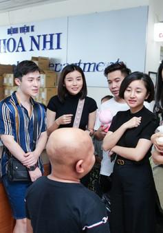 Cao Thái Hà, Tuyết Lan đồng hành cùng NTK Ivan Trần giúp đỡ trẻ em ung thư