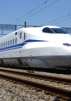 Nhật Bản ra mắt tàu shinkansen mới, có thể chạy dù mất điện