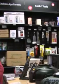 Amazon mở thêm cửa hàng truyền thống 4 sao