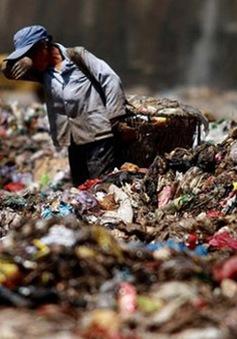 Bãi rác lớn nhất Trung Quốc quá tải sớm 25 năm