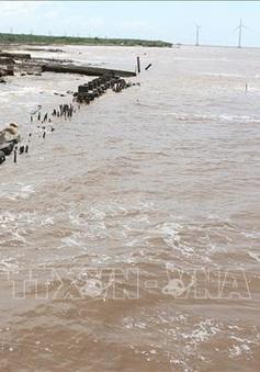 Sạt lở bờ biển nghiêm trọng tại Bạc Liêu