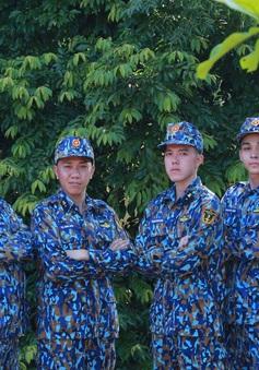"""Minh Châu, B Trần bị cháy nắng, phát ban khi tham gia """"Sao nhập ngũ"""""""