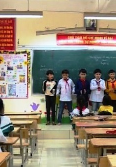 Vì sao hàng ngàn học sinh tại Mê Linh (Hà Nội) tiếp tục nghỉ học?