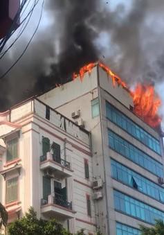 Hà Nội: Dập tắt đám cháy ở căn nhà 8 tầng phố Trung Kính