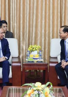 Thứ trưởng Bộ Ngoại giao Nguyễn Quốc Dũng chúc mừng  Quốc khánh Campuchia