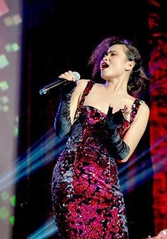 Đồng Lan liều lĩnh hát bolero theo phong cách jazz