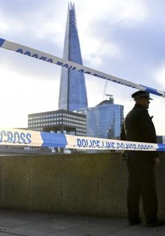Thủ tướng Anh cam kết xem xét lại vấn đề xét xử tội phạm khủng bố