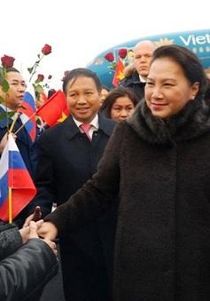 Chủ tịch Quốc hội gặp cộng đồng người Việt tại Liên bang Nga