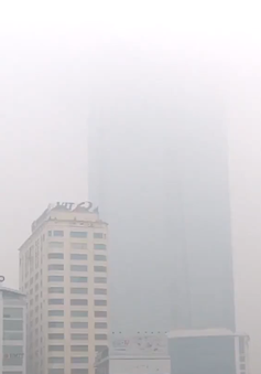 Ô nhiễm không khí, người dân Hà Nội vẫn ra đường ngày cuối tuần