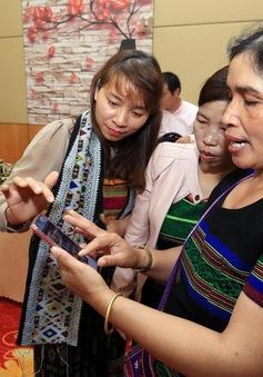 Phụ nữ dân tộc thiểu số thoát nghèo với công nghệ 4.0