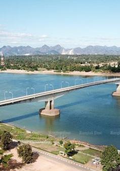 Người dân Thái Lan lo lắng vì nước sông Mekong chuyển màu