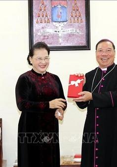 Chủ tịch Quốc hội thăm Tòa Tổng Giám mục Hà Nội