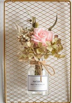 Tham khảo cách làm tranh treo tường với hoa khô và dây thừng