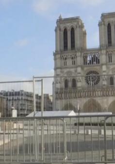 Khó cứu mái vòm của nhà thờ Đức Bà Paris