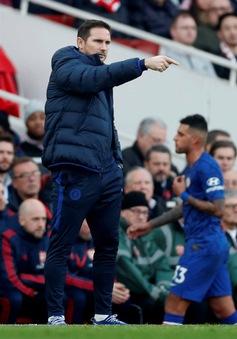 """Sao Chelsea """"mặt như đưa đám"""" khi bị HLV Frank Lampard thay ra"""