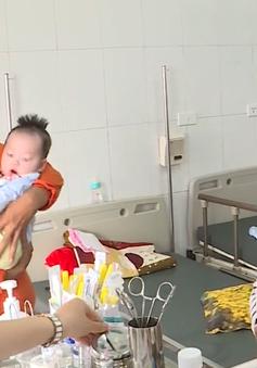 Dùng thuốc hạ sốt cho trẻ như thế nào là đúng?