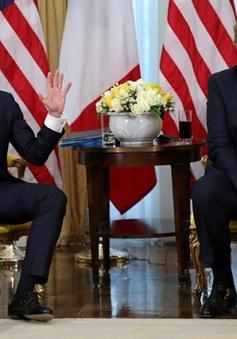 Tổng thống Mỹ, Pháp căng thẳng với nhau ngay trước mặt báo chí
