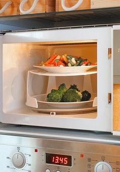 Nướng mực, nấu cơm và những công dụng không ngờ của lò vi sóng