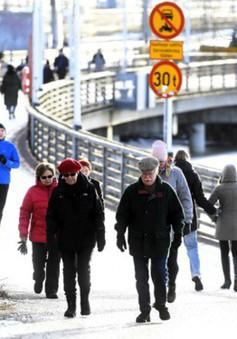 """Thử nghiệm """"thu nhập cơ bản"""" tại Phần Lan không thu được kết quả mong muốn"""
