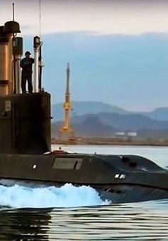 Iran ra mắt mẫu tàu ngầm mới tự chế tạo