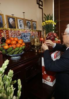 Tổng Bí thư, Chủ tịch nước dâng hương tưởng niệm các đồng chí nguyên lãnh đạo Đảng, Nhà nước