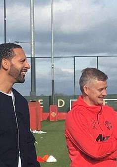 """Trước đại chiến Liverpool, HLV Solskjaer mời hàng loạt huyền thoại Man Utd về """"tiếp lửa"""""""
