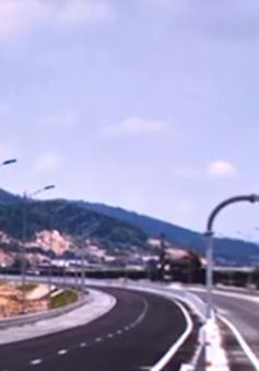Bắt quả tang 3 đối tượng ném đá trên cao tốc Hạ Long