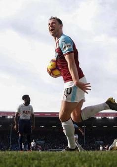 """VIDEO Burnley 2-1 Tottenham: Harry Kane trở lại, Gà trống thôi """"gáy"""""""