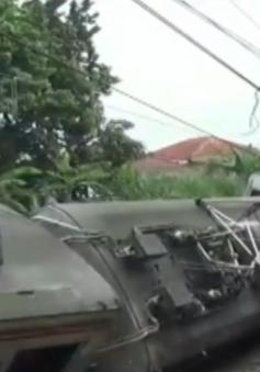 Tàu trật đường ray tại Indonesia, 17 người bị thương