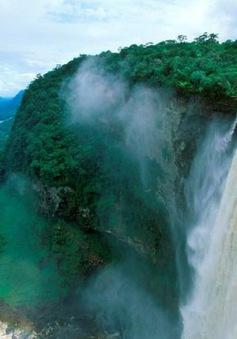 Thác nước nằm ở rìa thế giới có tốc độ chảy mạnh nhất
