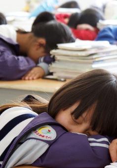 Trẻ em và thanh thiếu niên Trung Quốc ngày càng thiếu ngủ