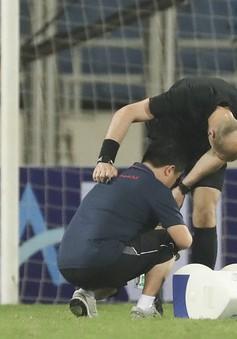 Hy hữu: Trận đấu giữa U23 Việt Nam - U23 Brunei bị gián đoạn vì trọng tài... chấn thương