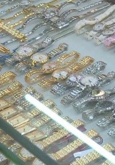 Phát hiện hơn 500 chiếc đồng hồ giả các thương hiệu nổi tiếng