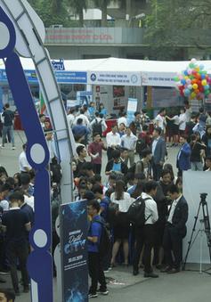 Sôi nổi Tọa đàm và triển lãm Phát triển nguồn nhân lực ICT trình độ cao: Gắn kết cơ sở giáo dục đại học - doanh nghiệp