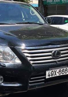 Xe ô tô tông vào đám tang, 4 người tử vong
