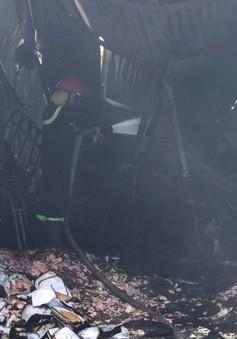 Ba mẹ con thiệt mạng trong đám cháy xưởng đông lạnh ở Trung Văn (Hà Nội)