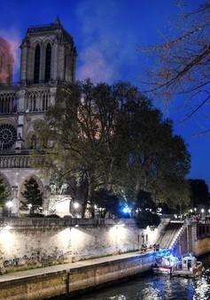 Những hiện vật quý của Nhà thờ Đức Bà Paris trước khi bị ngọn lửa tàn phá