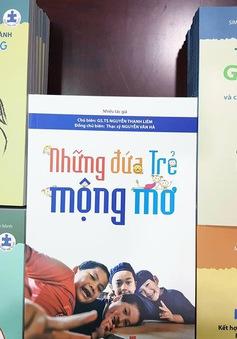 Ra mắt bộ sách hướng dẫn chăm sóc trẻ tự kỷ