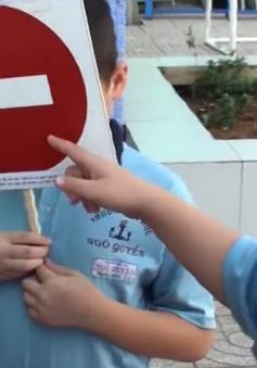 """Giáo dục ý thức tham gia giao thông ở trẻ: """"Trống đánh xuôi, kèn thổi ngược"""""""