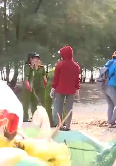 Thừa Thiên Huế chung tay làm sạch bờ biển