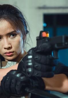 """Rũ bỏ mác """"gái quê"""", Bella Mai tự chi tiền làm phim ngắn hành động """"The Killer"""""""