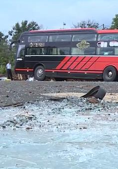 2 xe khách tông nhau, nhiều người bị thương