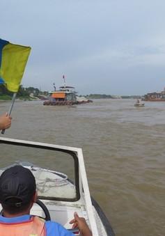 Cấm tàu lưu thông trên sông Hồng đoạn qua cảng Khuyến Lương