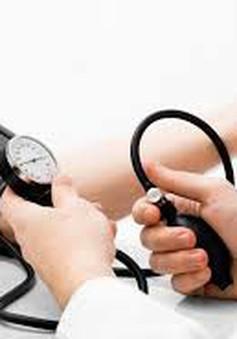 Bệnh nhân huyết áp cao dễ mắc bệnh tim mạch và suy thận hơn