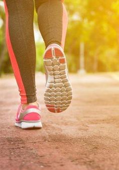 Làm thế nào để duy trì tập thể dục đi bộ vào mùa hè