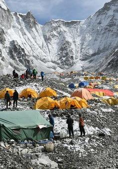Năm 2019: 11 người chết trên đỉnh Everest và đây là lý do tại sao?